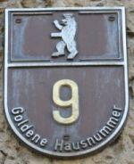 Goldene Hausnummer