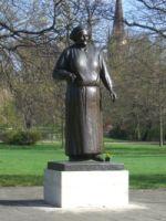 Das Clara-Zetkin-Denkmal im Leipziger Clara-Zetkin-Park