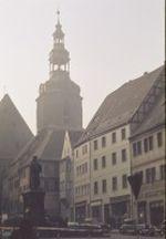 Marktplatz in Stolberg mit Thoma Münzer Denkmal und Blick auf den Seigerturm