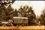 Eine Funkstation der NVA wird aufgebaut