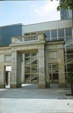 Das Schinkeltor am Neubaus der Karl Marx Universität in Leipzig