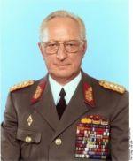 Verteidigungsminister Heinz Keßler